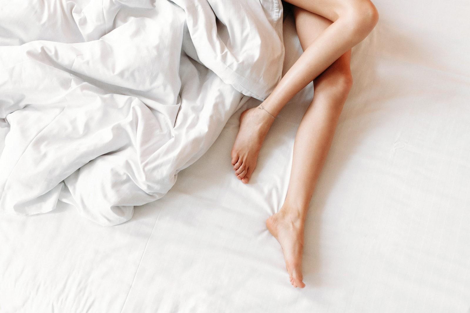 Нужно ли гладить постельное белье после стирки? — Советы и приметы