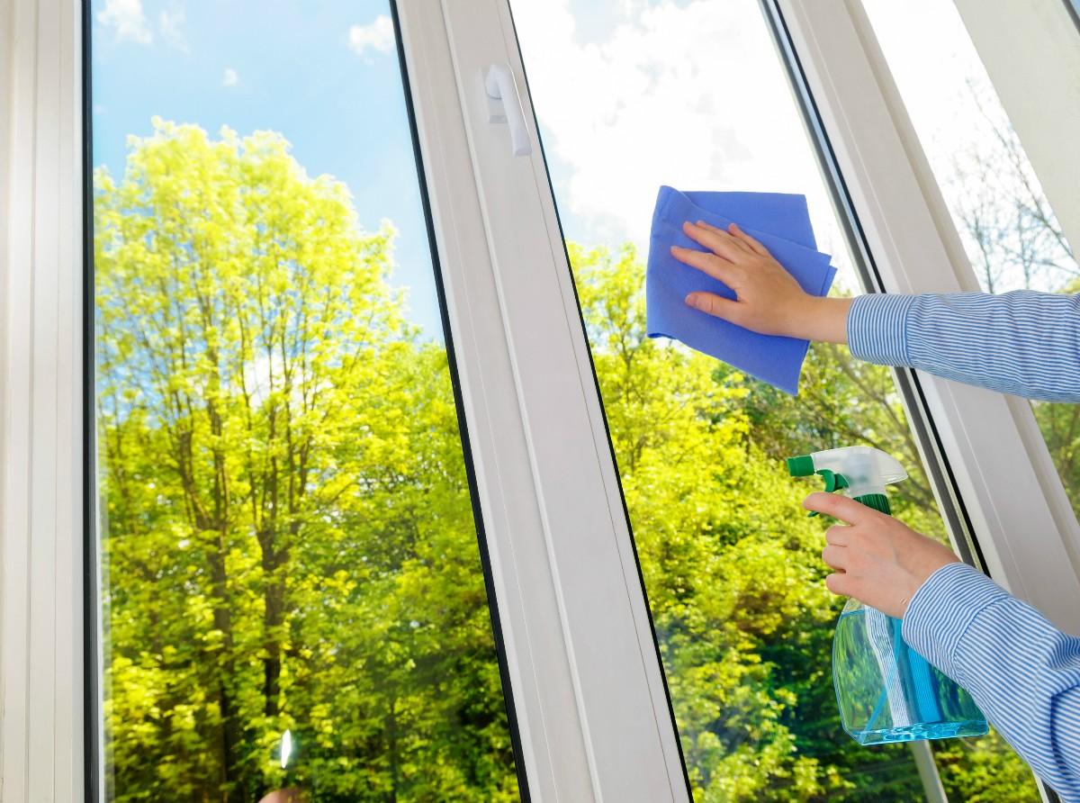 kak-pomyt-plastikovye-okna (5)