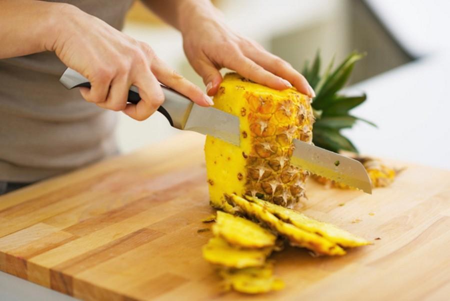 kak-pravilno-chistit-ananas (10)