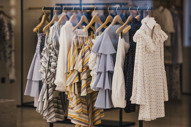 Как постирать платье правильно? — Бархатное, из замши, свадебное