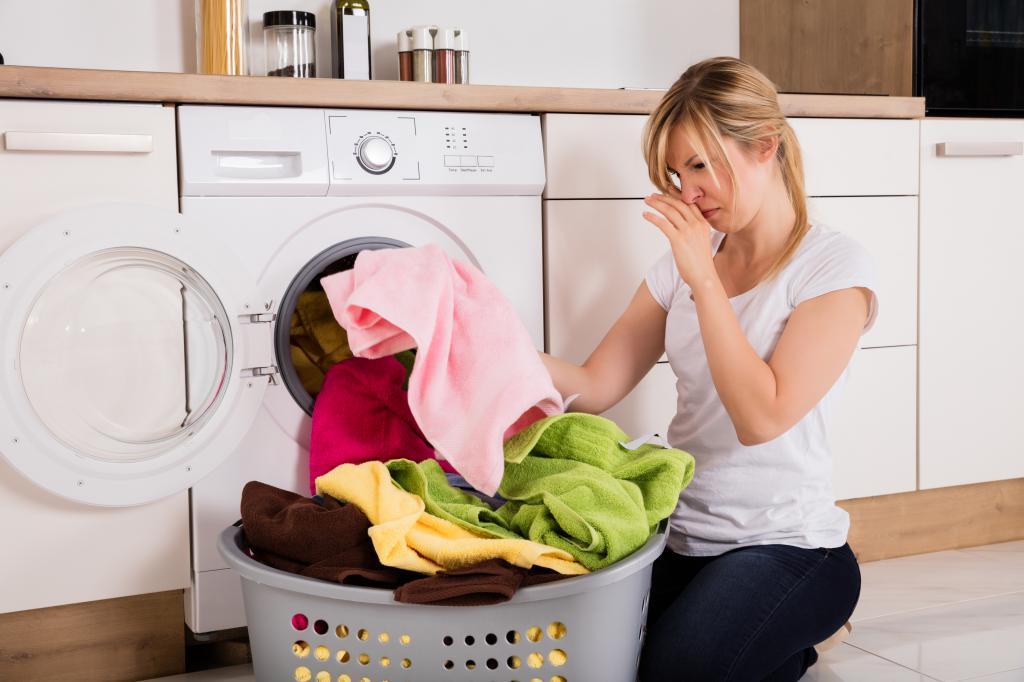 Плохо пахнет белье после стирки — Как решить проблему?