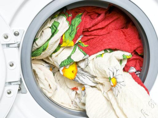 Как стирать одеяло — Можно ли в стиральной машине?