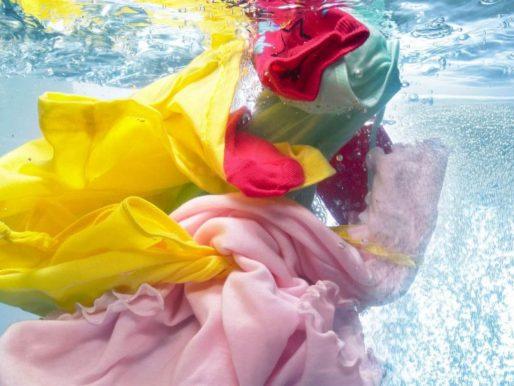 Как стирать цветную одежду — Что нужно знать, чтобы не испортить?