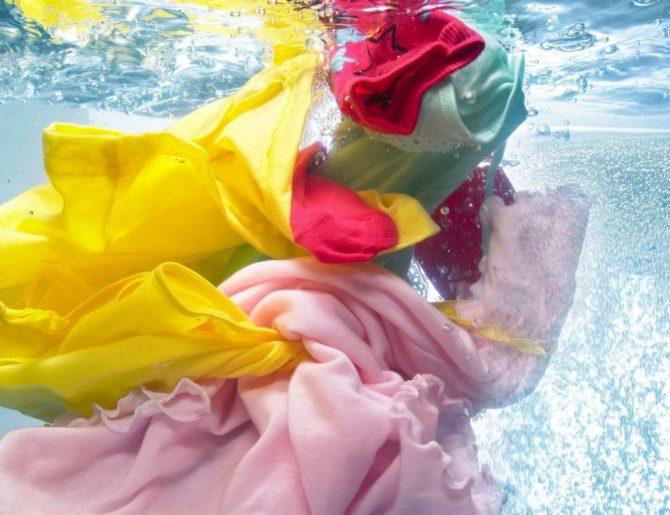 Стирка цветных вещей — Что нужно знать, чтобы не испортить одежду?
