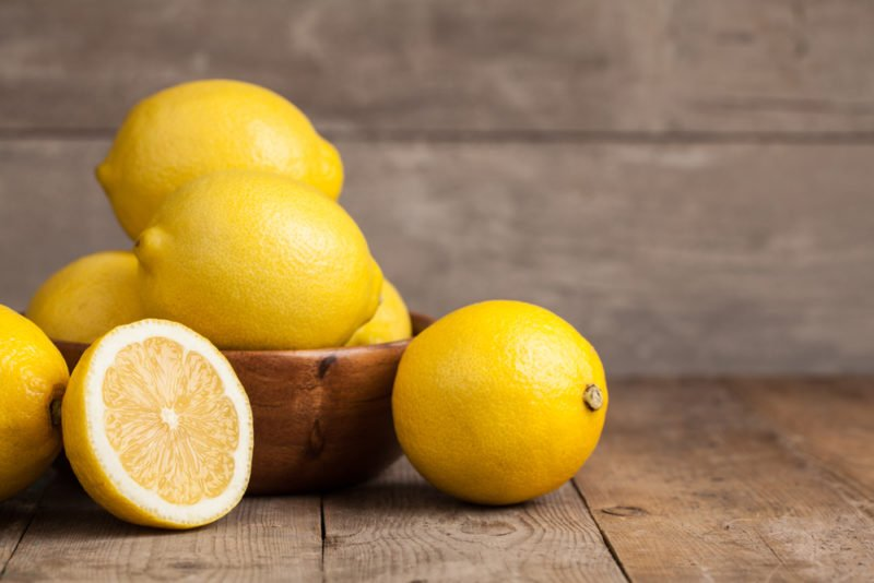 Лимон – это дерево, которое произрастает в азии и в частности на китайской территории.