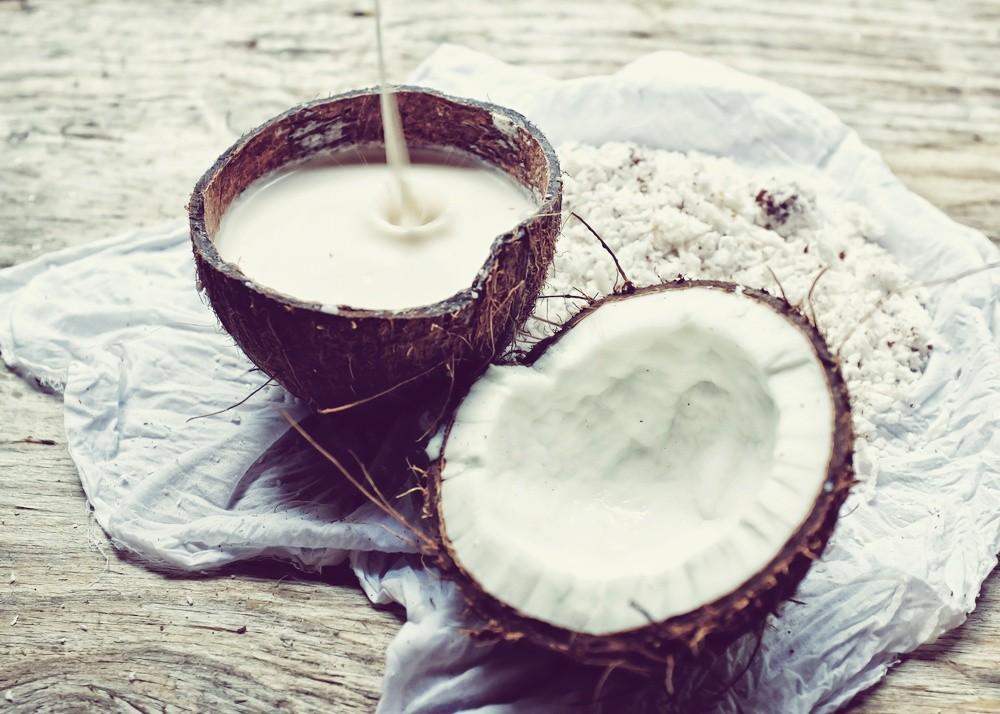kak-pochistit-kokos_ (5)
