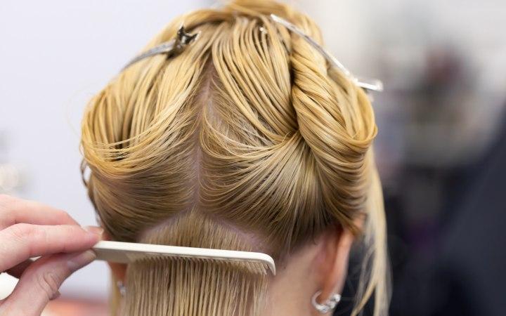 Как покрасить волосы в домашних условиях самой себе