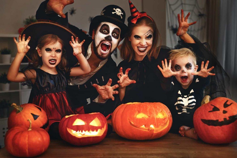 """""""Неприятность или угощение?"""" Как сделать оригинальный макияж девочке на Хэллоуин?"""