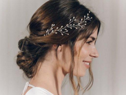 Юбилей - это вам не обычный день рождения: как сделать праздничную укладку на волосы средней длины своими руками?